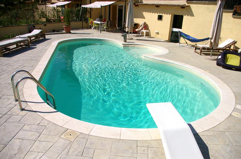 Excellent cosa non pu mancare in una piscina in giardino with piscina in giardino - Biopiscina fai da te ...