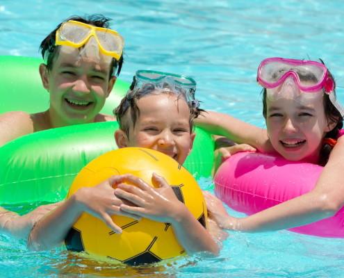 giochi in piscina per i più piccoli